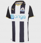 16-17 Newcastle United Home Soccer Jersey Shirt